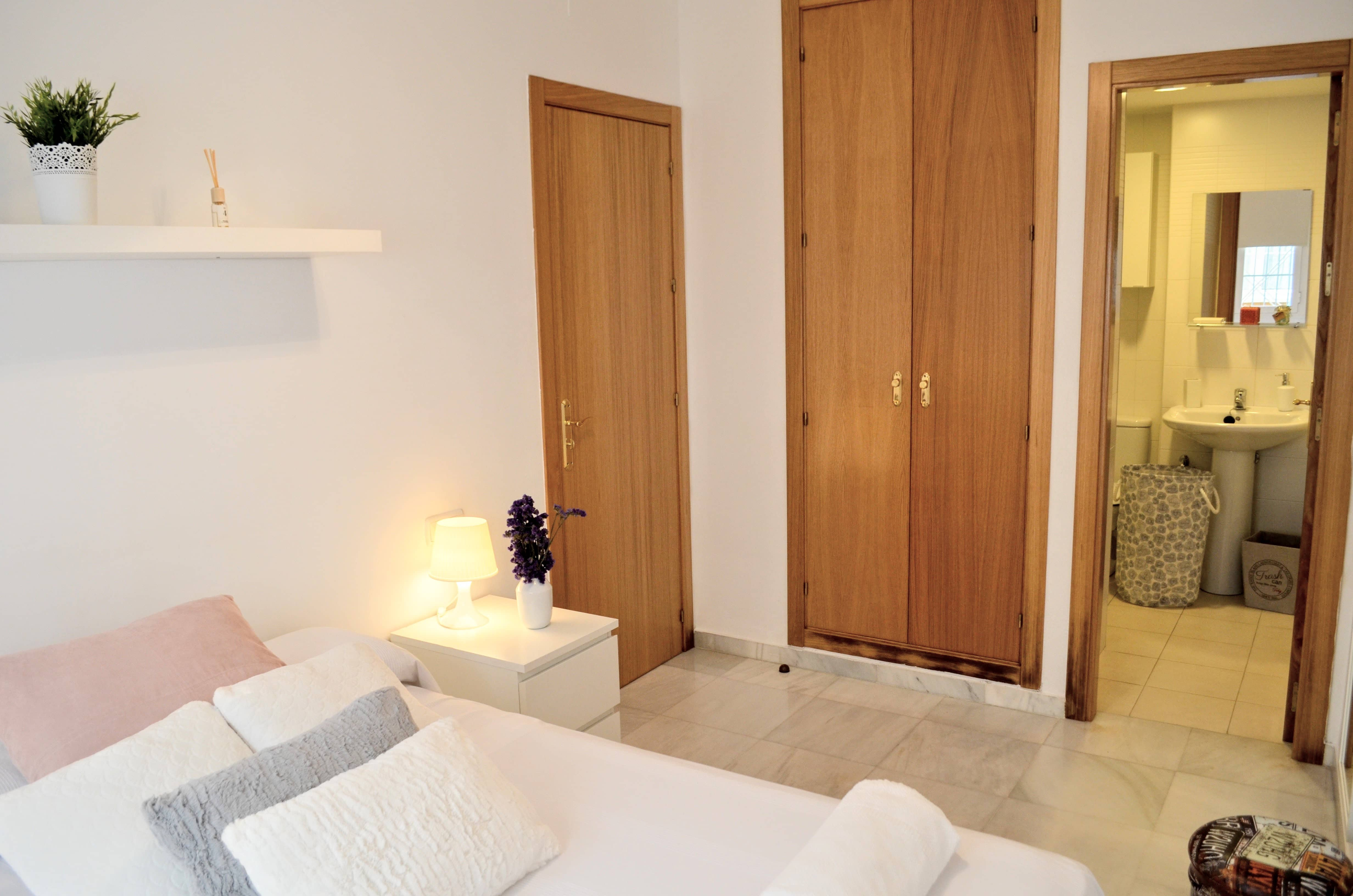 Balneario con dormitorio y terraza privada  0432